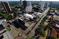 Foz do Iguaçu (PR), 22/03/2020 - Coronavírus / Foz do Iguaçu - Av Jorge Schimmelpfeng no centro de Foz do Iguaçu (PR) totalmente vazia na manhã deste domingo (22). Fato ocorre devido ao COVID-19.  (Foto: Paulo Lisboa/Brazil Photo Press/Agencia O Globo) País