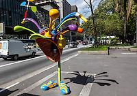 SAO PAULO, SP, 01 DE AGOSTO 2012 - CALL PARADE - Exposicao Urbana Call Parade composta por cem orelhoes estilizados por artistas plasticos na regiao da Av Paulista na tarde dessa quarta-feira, 01. FOTO: VANESSA CARVALHO - BRAZIL PHOTO PRESS.