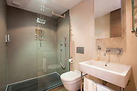 BNPS.co.uk (01202) 558833. <br /> Pic: Hamptons/BNPS<br /> <br /> Pictured: The bathroom.<br /> <br /> A stunning villa where Love Island was filmed is on the market for £5.94m.<br /> <br /> Fans of the show - where singletons live together and couple up to stay in the villa and win a cash prize - might recognise this beautiful home from the Australian spin-off.<br /> <br /> The elegant six-bedroom property, which has a pool and a vineyard, was used in the first series of the Australian version, filmed in 2018 but only aired in the UK last year.