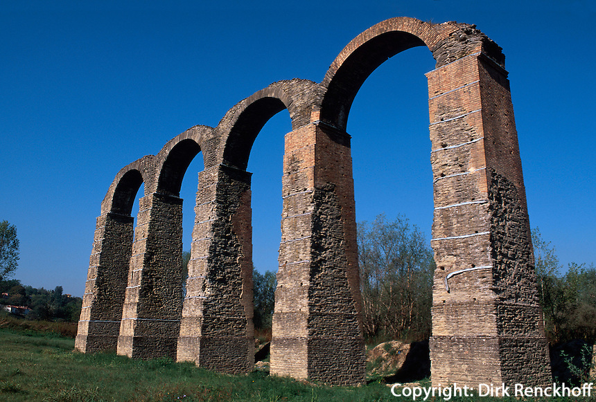 Italien, Piemont, römisches Aquaedukt in Acqui Terme