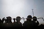 © Remi OCHLIK/IP3, Kiwanja , Republique Democratique du Congo, le 26 novembre 2008 - FARDC soldiers on the road to Kiwanja.