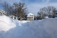 Record amounts of snow created blizzard-like conditions with up to 24 inches of snow falling over two day starting Dec. 19, 2009 in Charlottesville, Virginia.  (Photo/Andrew Shurtleff)