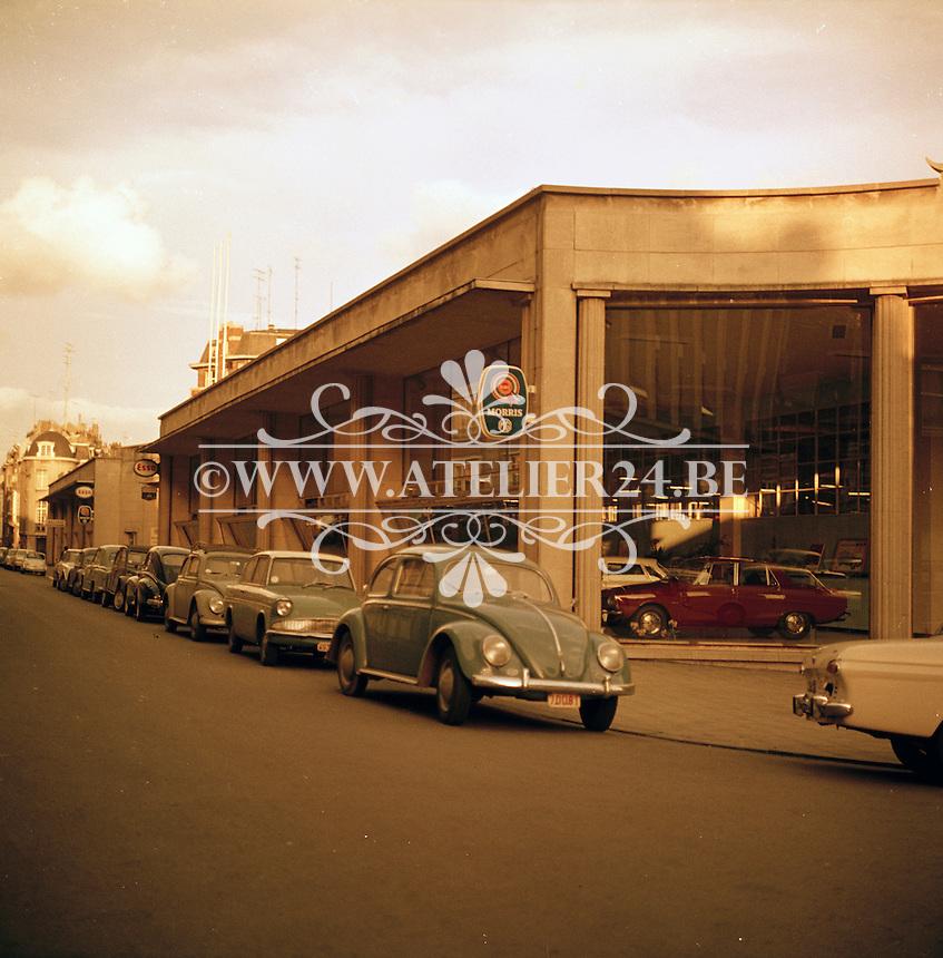 Oktober 1966. garage.