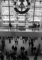 BERLINO EST / DDR / GERMANIA EST / 20 NOVEMBRE 1989.VOLKSKAMMER, PALAZZO DEL POPOLO SEDE DEL GOVERNO E DEL PARTITO COMUNISTA DELLA GERMANIA EST..FOTO LIVIO SENIGALLIESI..EAST BERLIN / DDR / EAST GERMANY / 20 NOVEMBER 1989.PALACE OF GOVERNAMENT OF DDR (VOLKSKAMMER)..PHOTO LIVIO SENIGALLIESI