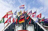 Nederland - Volendam - 2018.  Souvenirwinkel op de Dijk. Vlaggen van diverse landen. Foto Berlinda van Dam / Hollandse Hoogte