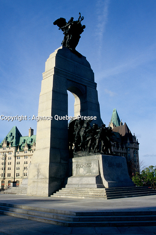 Ottawa,  war veterans monument