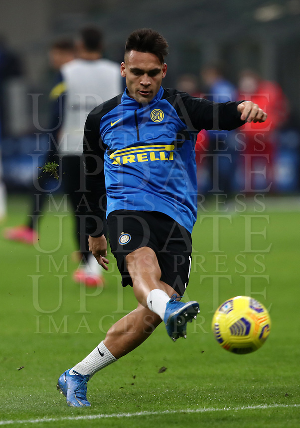 Calcio, Serie A: Inter Milano - Atalanta, Giuseppe Meazza (San Siro) stadium, in Milan, March 8, 2021.  <br /> Inter's Lautaro Martinez during the warm up prior to the Italian Serie A football match between Inter and Atalanta at Giuseppe Meazza (San Siro) stadium, on  March 8, 2021.  <br /> UPDATE IMAGES PRESS/Isabella Bonotto