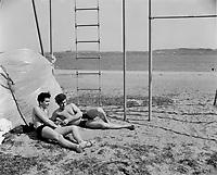 1967 05 LEI - plage aux foulons