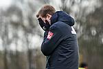 22.11.2020, Trainingsgelaende am wohninvest WESERSTADION,, Bremen, GER, 1.FBL, Werder Bremen Training, im Bild<br /> <br /> <br /> <br /> Florian Kohfeldt (Cheftrainer SV Werder Bremen) mit den Händen vor seinem Gesicht, nachdem er einen Elfmeter im Wettkampf mit Stefano Kapino (SV Werder Bremen #27) neben das Tor gesetzt hat<br /> <br /> Foto © nordphoto / Gumz
