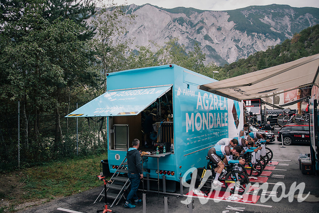 Team AG2R-La Mondiale on the rollers prerace<br /> <br /> UCI MEN'S TEAM TIME TRIAL<br /> Ötztal to Innsbruck: 62.8 km<br /> <br /> UCI 2018 Road World Championships<br /> Innsbruck - Tirol / Austria