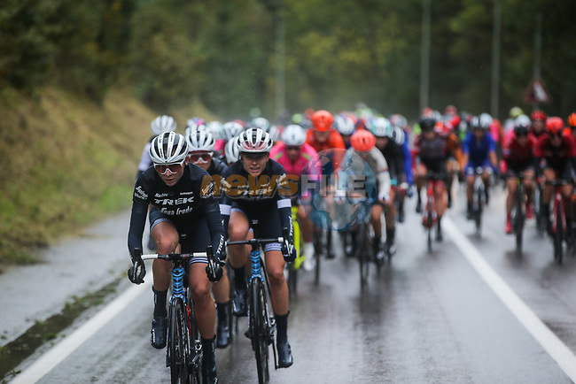 The peloton with Trek-Segafredo Women on the front during a wet Liege-Bastogne-Liege Femmes 2020, running 135km from Liege to Liege, Belgium. 4th October 2020.<br /> Picture: ASO/Thomas Maheux | Cyclefile<br /> All photos usage must carry mandatory copyright credit (© Cyclefile | ASO/Thomas Maheux)