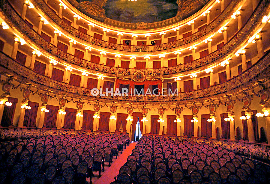 Teatro Amazonas em Manaus. 1994. Foto de Juca Martins.