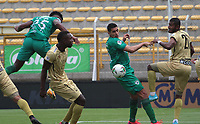 BOGOTA -COLOMBIA, 1-11-2020: La Equidad y Rionegro Águilas Doradas  en partido por la fecha 17 de la Liga BetPlay DIMAYOR I 2020 jugado en el estadio Estadio Metropolitano de Techo de la ciudad de Bogotá. / La Equidad and Rionegro Aguilas Doradas in match for the date 17 BetPlay DIMAYOR League I 2020 played at Metropolitano de Techo stadium in Bogota city. Photo: VizzorImage/ Felipe Caicedo / Staff