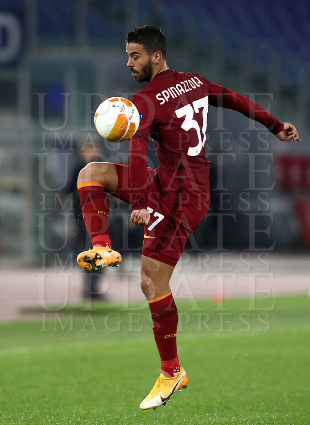 Football Soccer: UEFA Europa League UEFA Europa League Group A  AS Roma vs FCR Cluj, Olympic stadium, Rome, 5 November, 2020.<br /> Roma's Leonardo Spinazzola in action during the Europa League football match between Roma and Cluj at the Olympic stadium in Rome on  5 November, 2020.<br /> UPDATE IMAGES PRESS/Isabella Bonotto