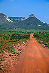 Estrada de terra no Parque Estadual do Jalapão. Tocantins. Foto de Caetano Barreira.