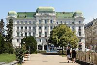 Geschäftshaus auf dem Votivplatz in Wien, Österreich, UNESCO-Weltkulturerbe<br /> office building at Votivplatz, Vienna, Austria, world heritage