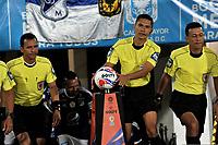 BOGOTA - COLOMBIA - 18 – 02 - 2018: Carlos Mario Herrera, arbitro, durante partido de la fecha 4 entre Millonarios y Atletico Nacional, por la Liga Aguila I 2018, jugado en el estadio Nemesio Camacho El Campin de la ciudad de Bogota. / Carlos Mario Herrera, referee, during a match of the 4th date between Millonarios and Atletico Nacional, for the Liga Aguila I 2018 played at the Nemesio Camacho El Campin Stadium in Bogota city, Photo: VizzorImage / Luis Ramirez / Staff.