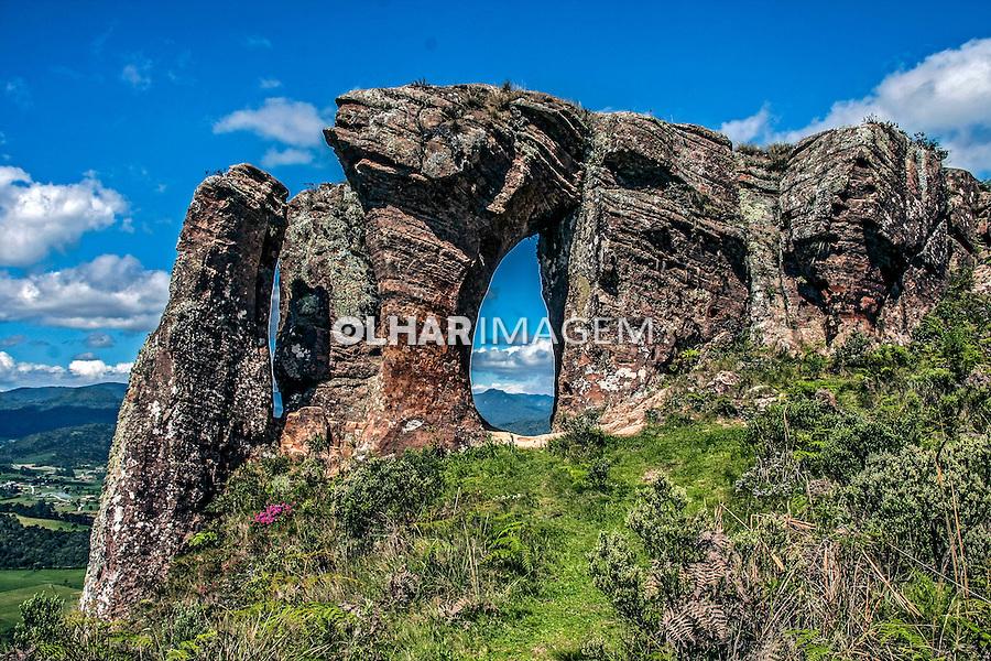 Morro do Campestre no Parque Nacional de Sao Joaquim. Urubici. Santa Catarina. 2013. Foto de Andre Arcenio.