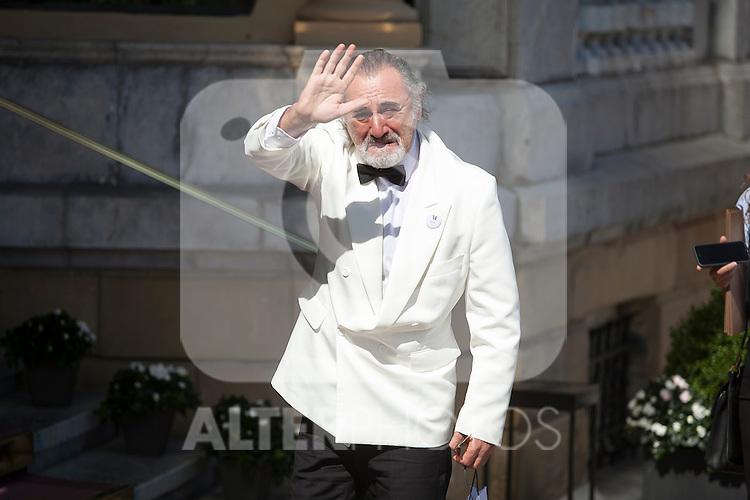 A guest, double of actor Robert de Niro, is seen arriving at the Maria Cristina Hotel during 63rd Donostia Zinemaldia (San Sebastian International Film Festival) in San Sebastian, Spain. September 18, 2015. (ALTERPHOTOS/Victor Blanco)