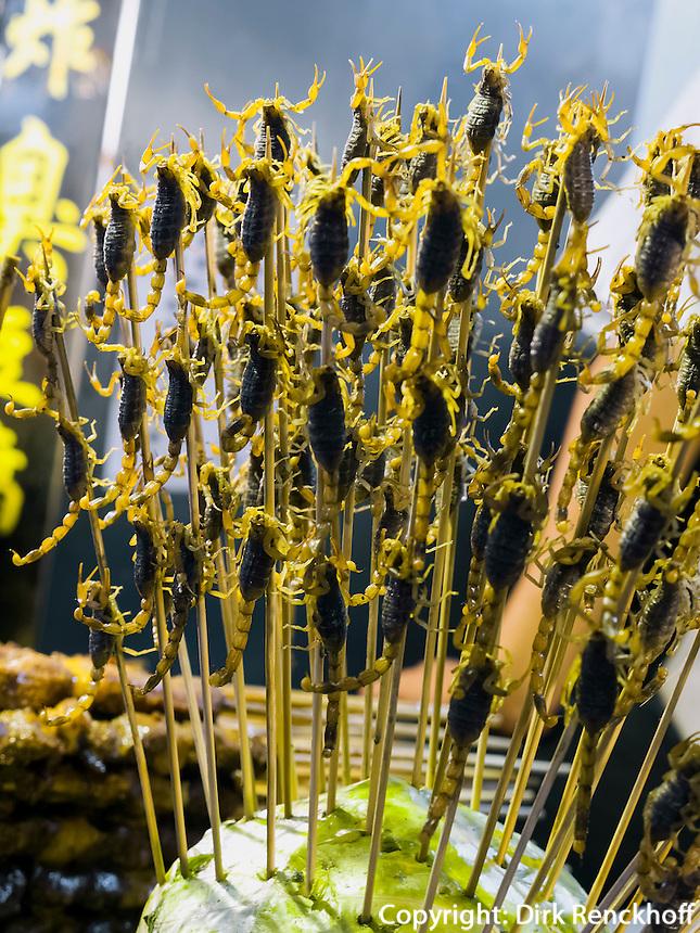 Skorpione auf der Wangfujing-Snackstreet iin Peking, China, Asien<br /> scorpions at Wangfujing snack-street, Beijing, China, Asia