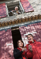 Europe/France/Midi-Pyrénées/81/Tarn/ Cahuzac-sur-Vère: Myriam et Bernard Plageolles  et Robert Plageolles Viticulteurs au Domaine de Tres Cantous [Non destiné à un usage publicitaire - Not intended for an advertising use]