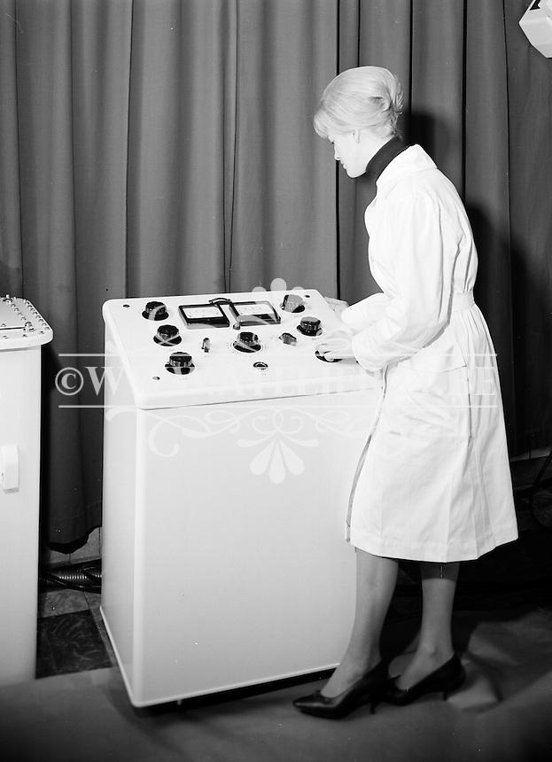 Februari 1963. Radiologie De Man.