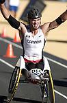 Kelly Smith obtient la médaille d'argent au marathon des jeux paralympiques dans la catégorie T54 .  (Jean-Baptiste Benavent 26 septembre).