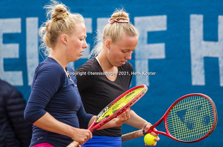Amstelveen, Netherlands, 6 Juli, 2021, National Tennis Center, NTC, Amstelveen Womans Open, Womans doubles Morderger/Morderger (GER)<br /> Photo: Henk Koster/tennisimages.com