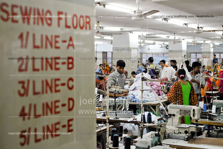 BANGLADESH , textile production in Dhaka , textile factory produce cheap textiles for export for western discounter / BANGLADESCH , Textilfabrik in Dhaka produziert billige Textilien fuer den Export fuer westliche Textildiscounter