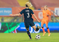 BREDA, NETHERLANDS - NOVEMBER 27: Samantha Mewis #3 of the USWNT crosses the ball during a game between Netherlands and USWNT at Rat Verlegh Stadion on November 27, 2020 in Breda, Netherlands.