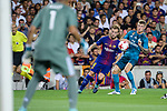 Ivan Rakitic of FC Barcelona (L) plays against Toni Kroos of Real Madrid (R) during the Supercopa de Espana Final 1st Leg match between FC Barcelona and Real Madrid at Camp Nou on August 13, 2017 in Barcelona, Spain. Photo by Marcio Rodrigo Machado / Power Sport Images