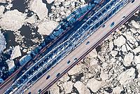 Norderelbbrücke in Hamburg bei Eisgang auf der Elbe,