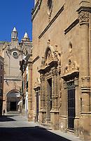 Europe/Espagne/Baléares/Minorque/Ciutadella : Eglise du Rosaire et cathédrale en fond