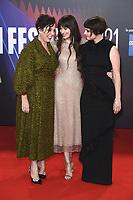Olivia Colman, Dakota Johnson und Jessie Buckley bei der Premiere des Kinofilms 'The Lost Daughter' auf dem 65. BFI London Film Festival 2021 in der Royal Festival Hall. London, 13.10.2021 . Credit: Action Press/MediaPunch **FOR USA ONLY**