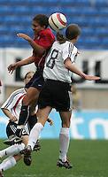 MAR 15, 2006: Faro, Portugal:  Shannon Boxx, Kerstin Garefrekes