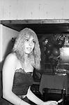 NADIA CASSINI<br /> FESTA PER I 30 ANNI DI HELMUT BERGER JACKIE O' ROMA 1974