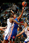 Asefa Estudiantes' Tyrone Ellis (r) and Real Madrid's D'or Fischer during ACB match.September 30,2010. (ALTERPHOTOS/Acero)
