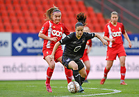 Davinia Vanmechelen (25) of Standard pictured defending on Stefania Vatafu (10) of Anderlecht during a female soccer game between Standard Femina de Liege and RSC Anderlecht on the 8th matchday in play off 1 of the 2020 - 2021 season of Belgian Scooore Womens Super League , tuesday 18 th of May 2021  in Angleur , Belgium . PHOTO SPORTPIX.BE | SPP | DAVID CATRY