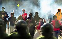 SOMMET DES AMERIQUES A QUEBEC AVRIL 2001<br /> MANIFESTATION VIOLENCE ARRESTATION<br /> PLUS DE 50,000 MANIFESTANTS<br /> PHOTO JACQUES NADEAU<br /> AVRIL 2001<br /> 15 AVRIL 2006 P.A-6