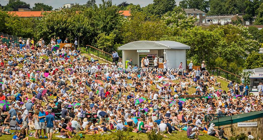 London, England, 7 th July, 2017, Tennis,  Wimbledon, Murray mountain<br /> Photo: Henk Koster/tennisimages.com