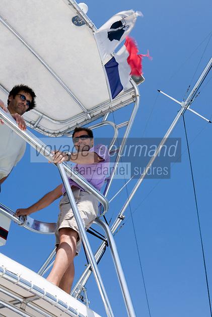 Europe/France/2A/Corse du Sud/ Murtoli:Paul Canarelli sur son bateau Domaine de Murtoli dans la vallée de l'Ortolo  sur le Golfe de Roccapina-