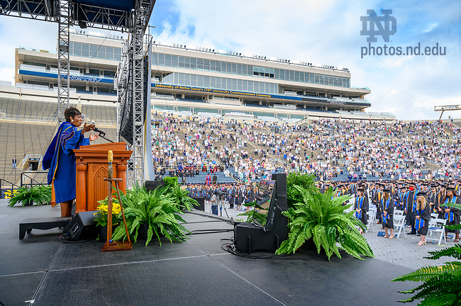 """May 23, 2021; Carla Harris, University of Notre Dame's 2021 Laetare Medal honoree, sings """"Amazing Grace"""" at the end of the 2021 Commencement Ceremony in Notre Dame Stadium. (Photo by Matt Cashore/University of Notre Dame)"""