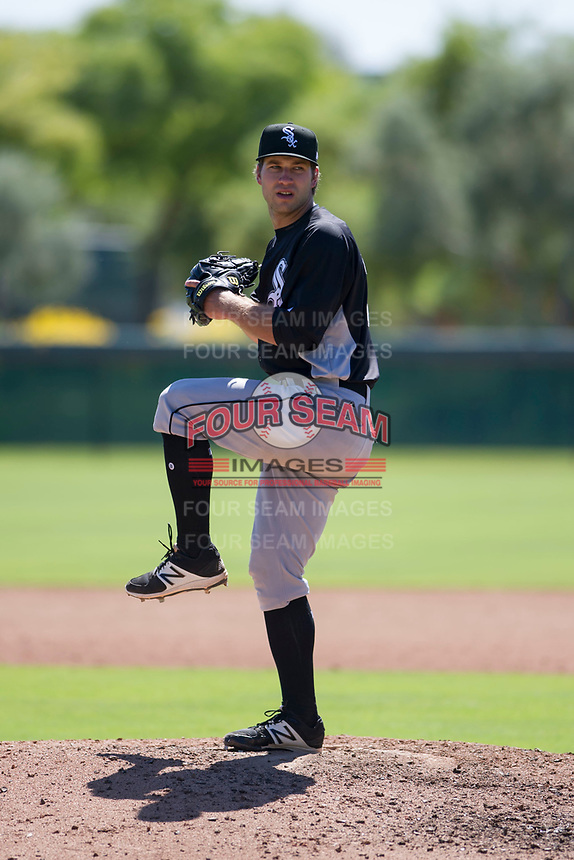 Chicago White Sox pitcher Kyle Von Ruden (39) delivers a pitch to the plate during an Instructional League game against the Los Angeles Dodgers on September 30, 2017 at Camelback Ranch in Glendale, Arizona. (Zachary Lucy/Four Seam Images)