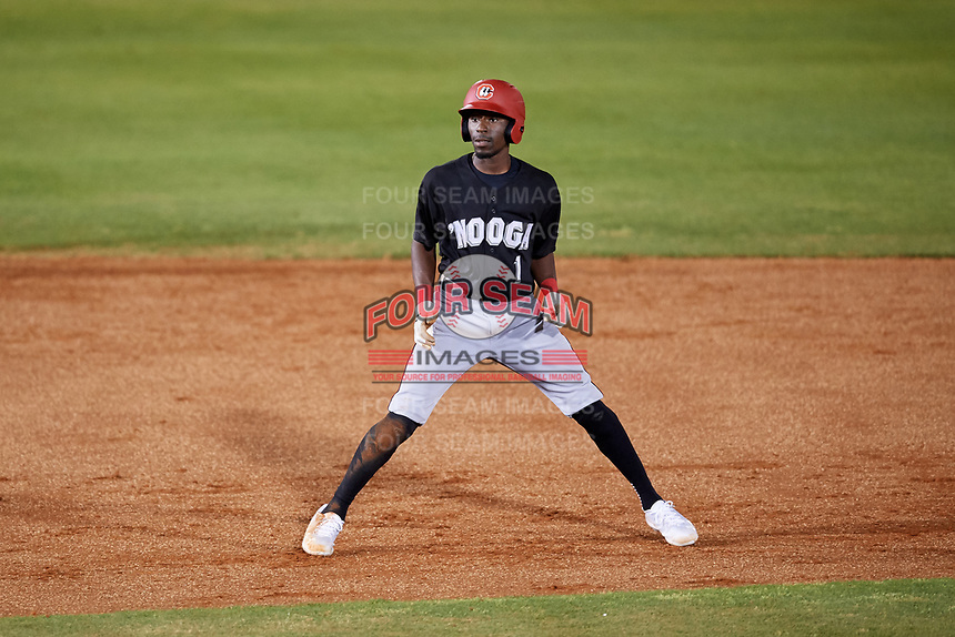 Chattanooga Lookouts shortstop Nick Gordon (1) leads off second base during a game against the Mobile BayBears on May 5, 2018 at Hank Aaron Stadium in Mobile, Alabama.  Chattanooga defeated Mobile 11-5.  (Mike Janes/Four Seam Images)