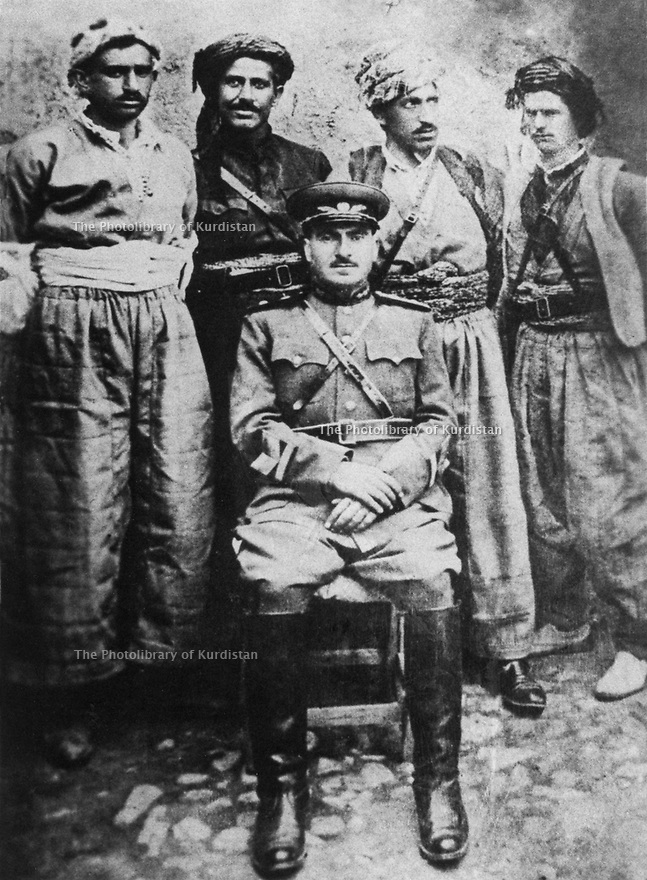 Iran 1946.Mulla Mustafa Barzani wearing the general's military uniform in Mahabad.Iran 1946.Mulla Mustafa Barzani en uniforme de general a Mahabad
