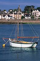 Europe/France/Bretagne/56/Morbihan/Etel: Chaloupe au port de Etel
