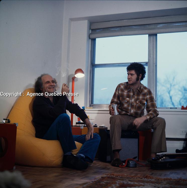 Robert Charlebois et Leo Ferre en 1971 (date exacte inconnue)<br /> <br /> Photo : Agence Quebec Presse -Robert Charlebois et Leo Ferre