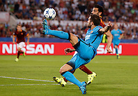 Calcio, Champions League, Gruppo E: Roma vs Barcellona. Roma, stadio Olimpico, 16 settembre 2015.<br /> FC Barcelona's Jordi Alba, foreground, is challenged by Roma's Mohamed Salah during a Champions League, Group E football match between Roma and FC Barcelona, at Rome's Olympic stadium, 16 September 2015.<br /> UPDATE IMAGES PRESS/Riccardo De Luca