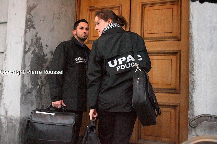 """February 2, 2013 File Photo - the Pernament Anti Corruption Unit raid the Montreal's City hall and seized documents related to corruption.<br /> <br /> L""""UPAC effectue une saisie de documents à l'Hôtel-de-Ville de Montréal, le 2 février 2013<br /> <br /> Photo : Pierre Roussel"""