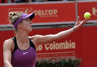 BOGOTA - COLOMBIA - 13-04-2016: Edina Svitolina de Ucrania, sirve a Alexandra Panova de Rusia, durante partido por el Claro Colsanitas WTA, que se realiza en el Club El Rancho de Bogota. / Edina Svitolina from Ukraine, Alexandra Panova from Russia, serves to Alexandra Panova from Russia,during a match for the WTA Claro Colsanitas, which takes place at Club El Rancho de Bogota. Photo: VizzorImage / Luis Ramirez / Staff.